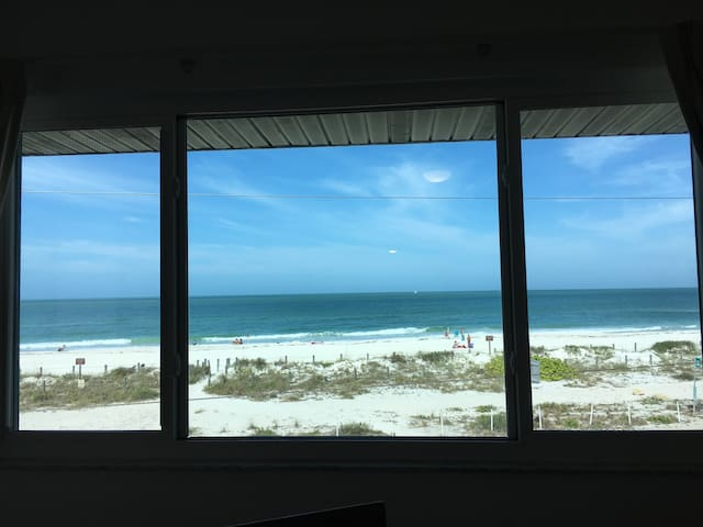 AMI Beach View Retreat