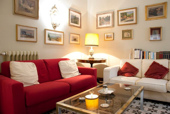 CASA GOTI-Stylish  and quiet -20min to Colosseo