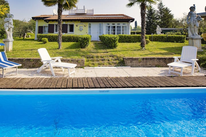 SINGLE VILLA WITH PRIVATE POOL & LAKE VIEW - Lazise - Villa