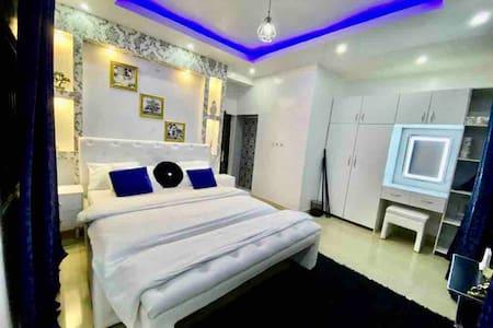 One bedroom Short Let Apartment in Lekki Phase 1