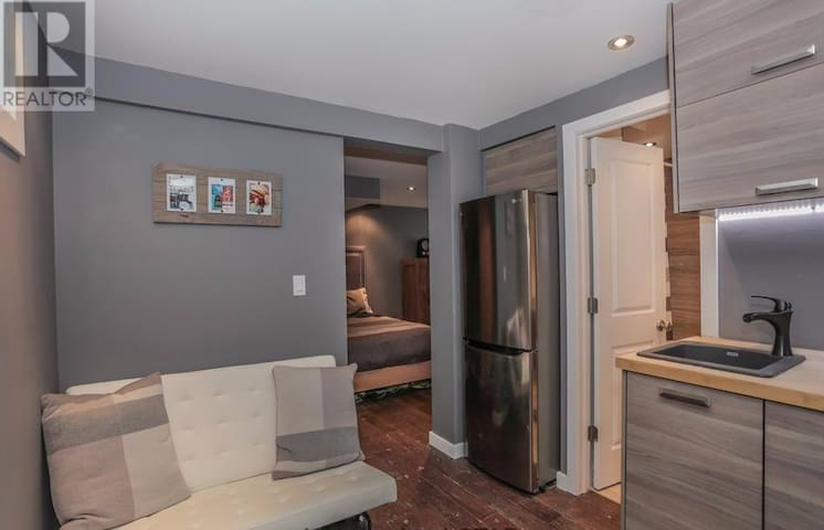 OldNorth Studio Apartment steps from ST. JOE'S,UWO - Londres - Casa