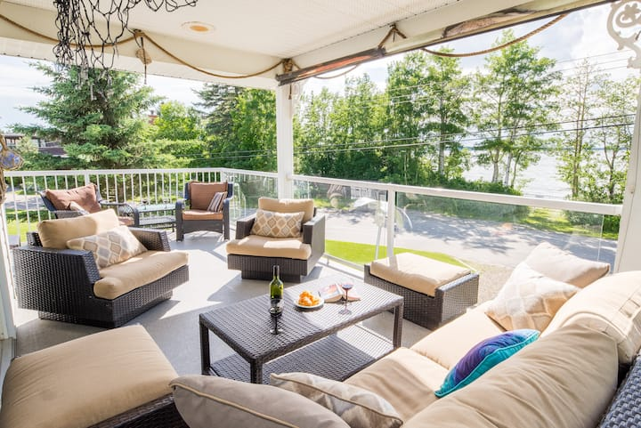 DEALS Executive, Gorgeous 4/5 bdrm Lakefront/VIEW!