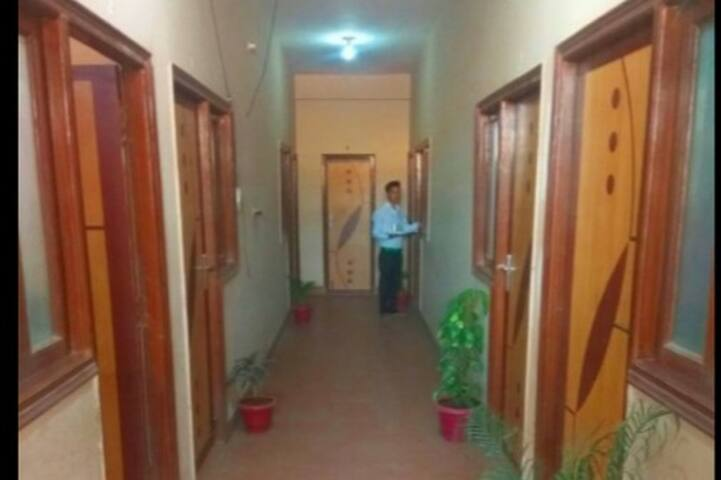 Jai Krish Guesthouse for the Value traveller -2NAC - Greater Noida - Guesthouse
