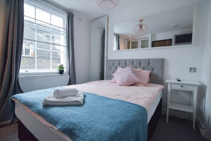 COMMENDABLE Studio Flat for 2 Guests at GREEN PARK