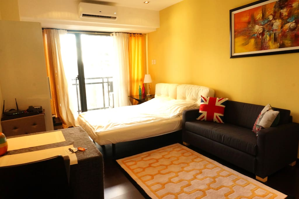 Queen sized bed and sofa bed to accommodate 3 adults comfortably