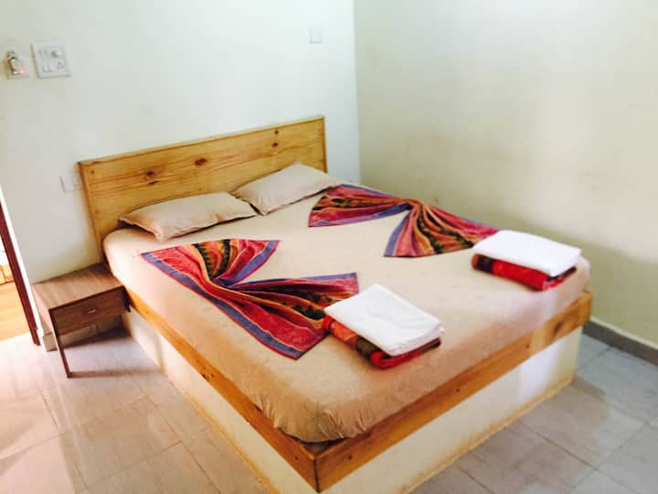 Non A/C Rooms near the beach in Calangute