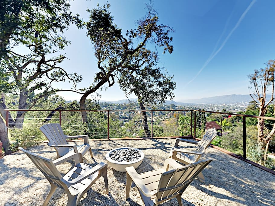 Welcome to Los Angeles! Your rental is professionally managed by TurnKey Vacation Rentals.