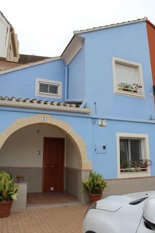 Bonita casa en emblemático barrio marinero