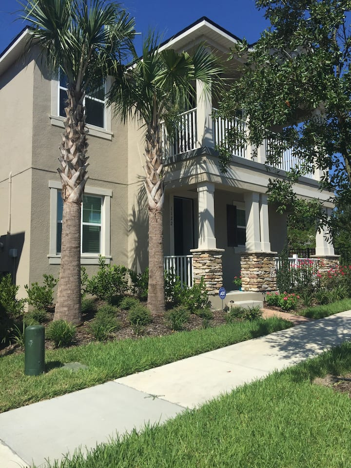 Bedroom for rent near Universal and Disney