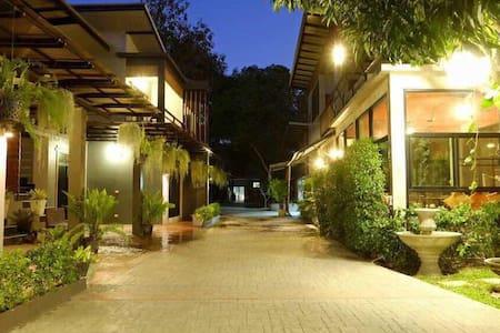 明源度假村 M.Y Home Resort 提供短租长租,配备厨房 - Chiang Mai - Bed & Breakfast