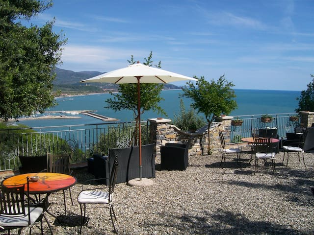 Romantik House Belvedere - Marina di Casal Velino - Hytte