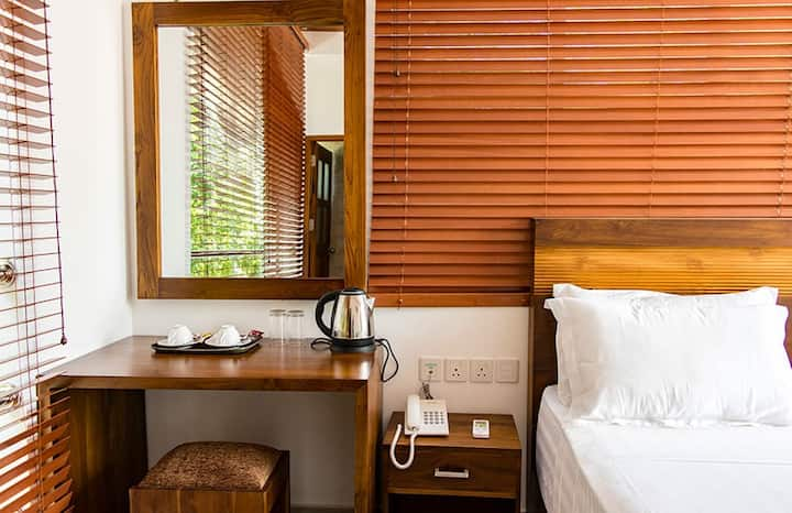 Triple room 3 with Pool @ Yala Park/Katharagam