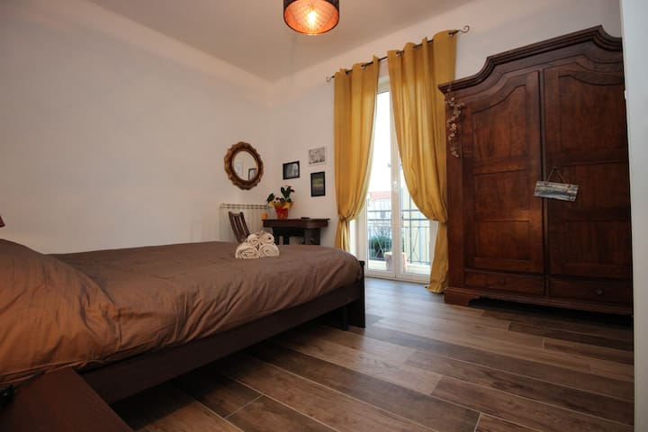 Camera Leone - Bastia - Bed & Breakfast
