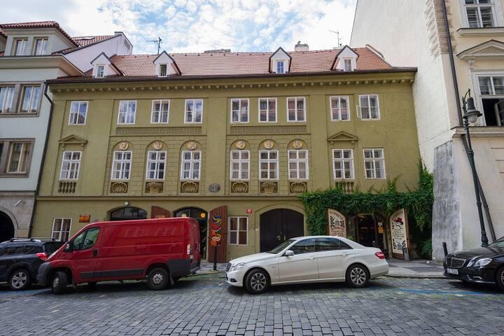 Four bedroom duplex apartment