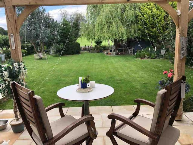 Near Epsom.  In Ashtead. Hosts home to share