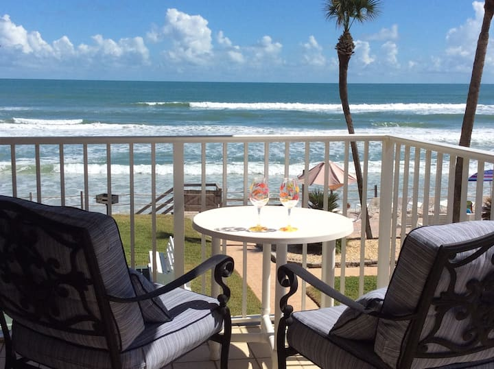 NEW on AIRBNB. Ocean Front, Home away from Home
