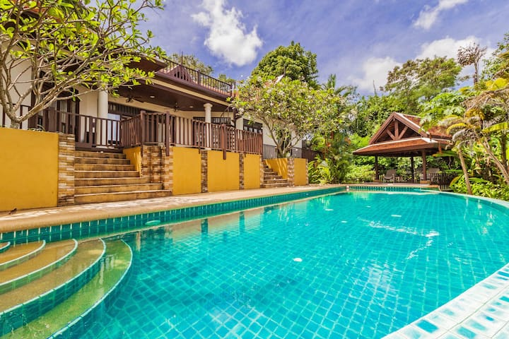 4 Bedroom Villa with private pool - Sattahip - Casa