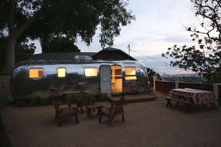 Hilltop Airstream Urban Oasis - Los Angeles