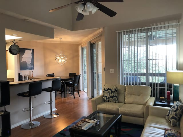 2 Bedroom Condo, Patio, W/D, Gym, Pool by Stadiums
