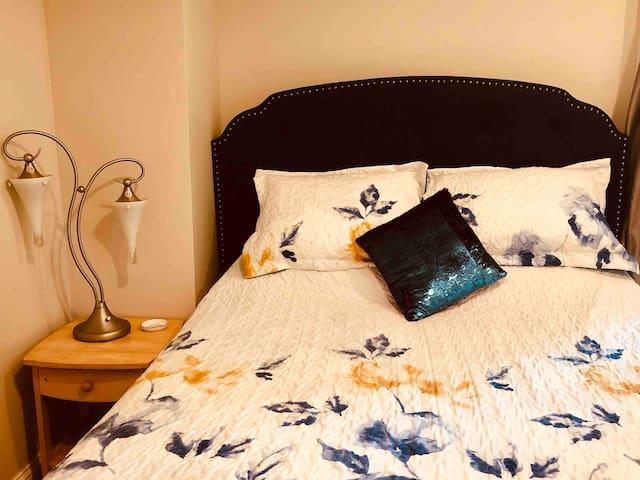 Comfy Bdrm#2 Bright, Clean, Chill Creston Home