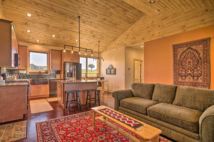 Arkansas River Valley Casita: 9-Acre Hayfield!