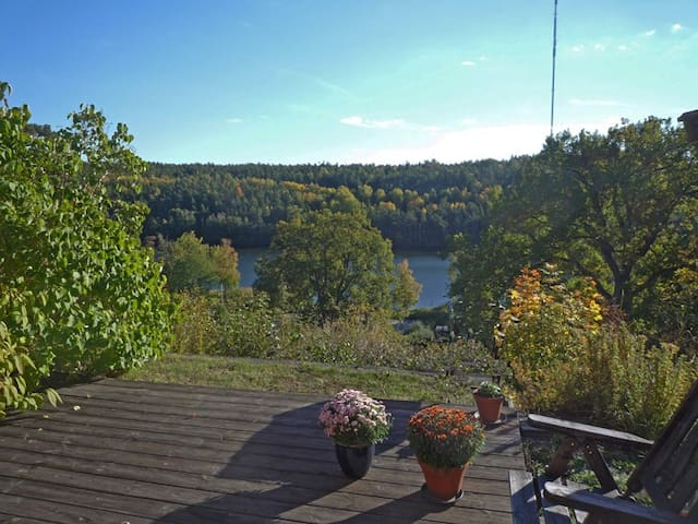 Townhouse near Stockholm, lakes and archipelago. - Nacka - Reihenhaus