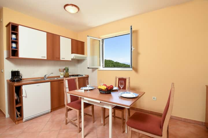 Studio Apartment, in the countryside in Icici, Terrace