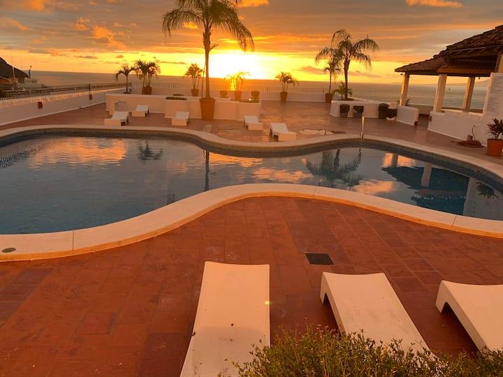 Ocean View Condo in Zona Romántica/Amapas