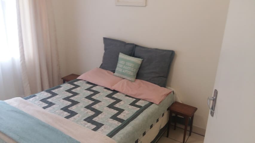 Uvongo 2 Person Guesthouse
