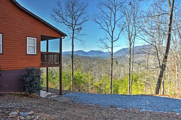 'Tranquility' - 4BR Young Harris Home w/Mtn Views! - Young Harris - Casa