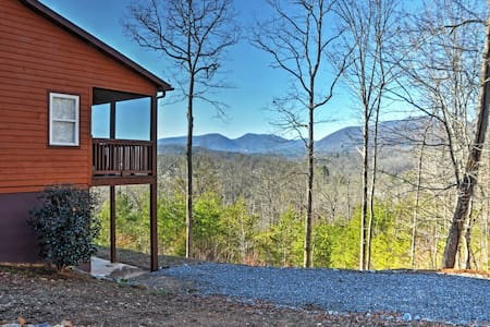 'Tranquility' - 4BR Young Harris Home w/Mtn Views! - Young Harris - Rumah