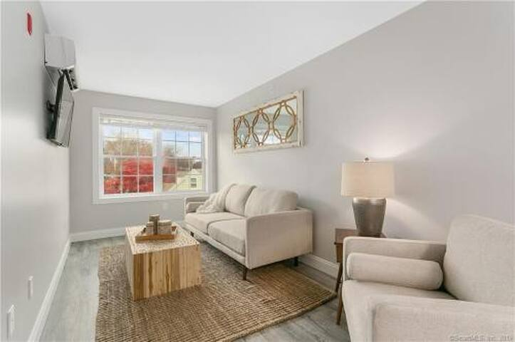Fairfield - Close to Everything! New apartment-