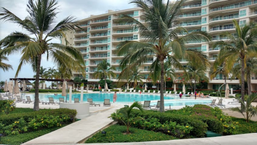 Beach Front Luxury Condo at DelCanto