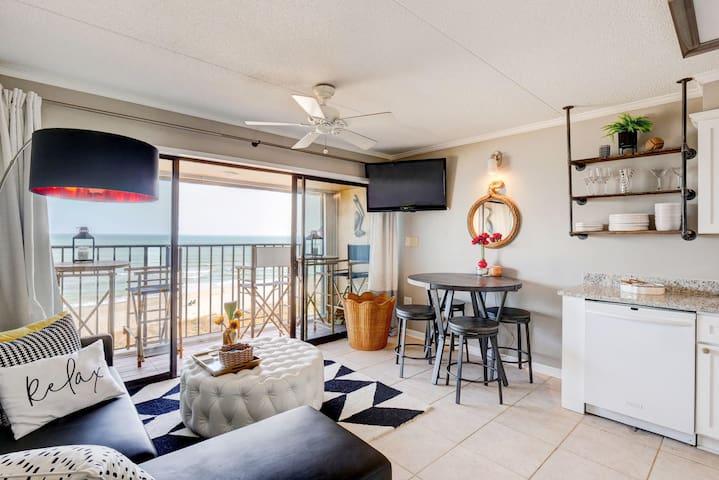 Copacabana Coastal Penthouse!  NEW LISTING