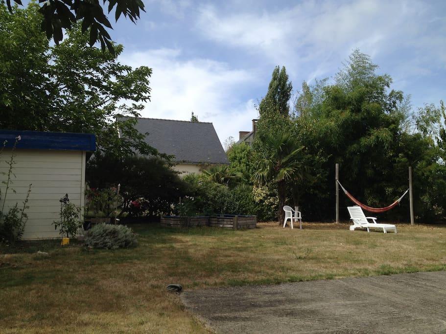 Jardin et autre terrasse côté ouest