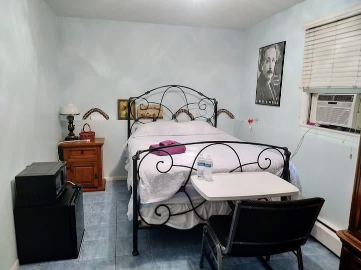 Bright & Cozy Bedroom