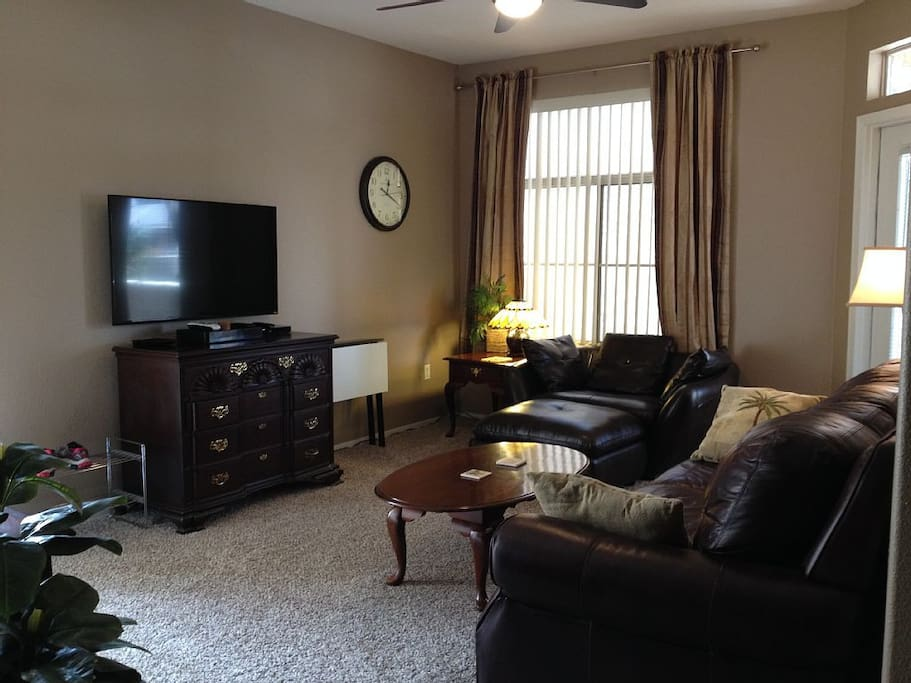 Living room with Direct TV.