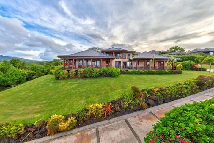 Ocean Views with Pool and Hot Tub, Koi Ponds and More! - Ikena Lani