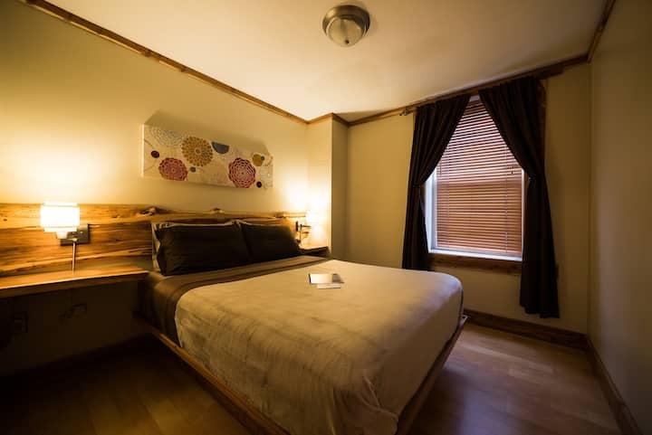 Cedar Room - The Walnut Street Inn