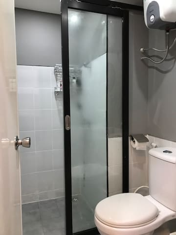 The shower is shared with the host. Toilet paper, soap and shampoo are provided