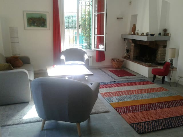 chambre a louer. room in a house in juan les pins - Antiby - Dům