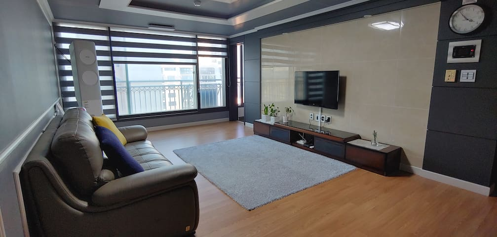 Newly Renovate Residential Apartment with office