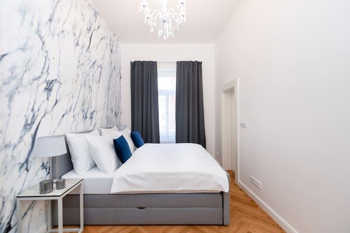NEW! Luxury 2 Bedroom Apartment+Living room❤️