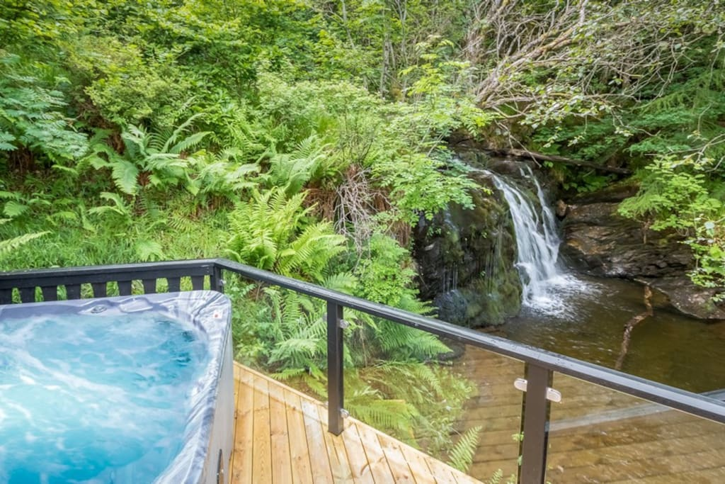 Hot tub looking over Waterfall