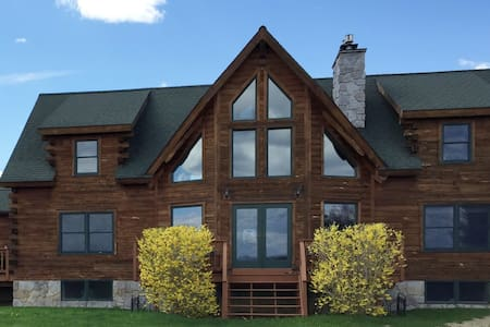 The Blue Room: Luxury Saratoga Log Home