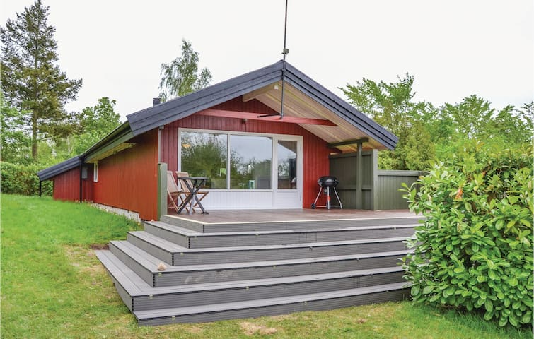 Holiday cottage with 3 bedrooms on 64m² in Jægerspris