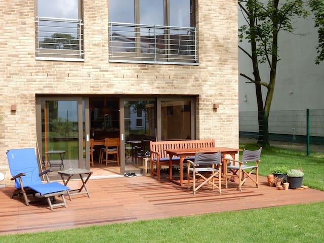 Schönes Haus mit Terrasse u. Garten - ruhige Lage