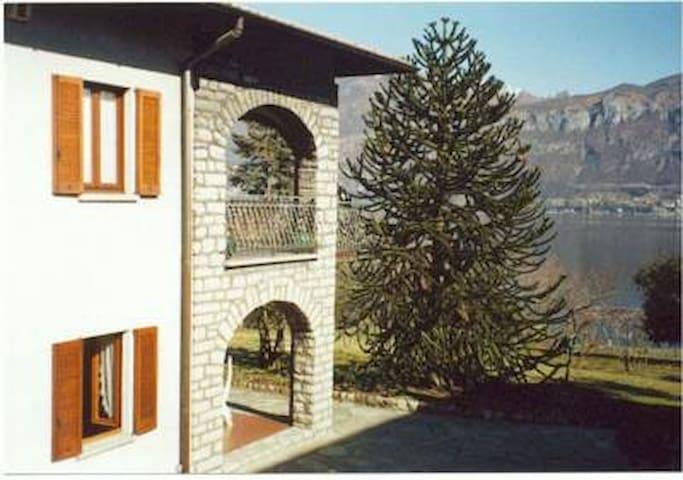 Appartamento in Villa vista lago