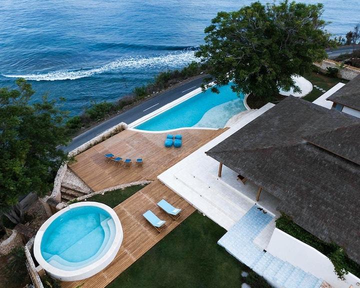 Beach front Villa Victoria 5 bedroom, 2 pools