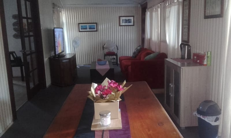 Large self-contained granny flat - Cable Beach - Cable Beach